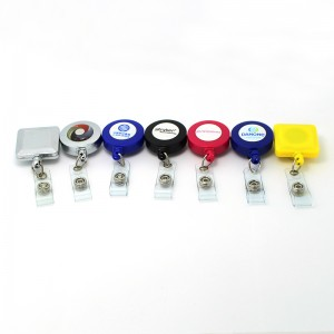 New style carabiner retractable pull reel badge holder