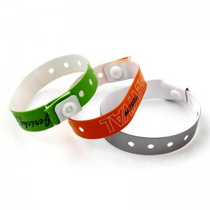 High quality Vinyl soft plastic pvc wristband with custom logo