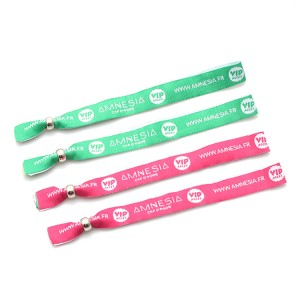 Cheap promotional gift custom giveaway wristband free sample